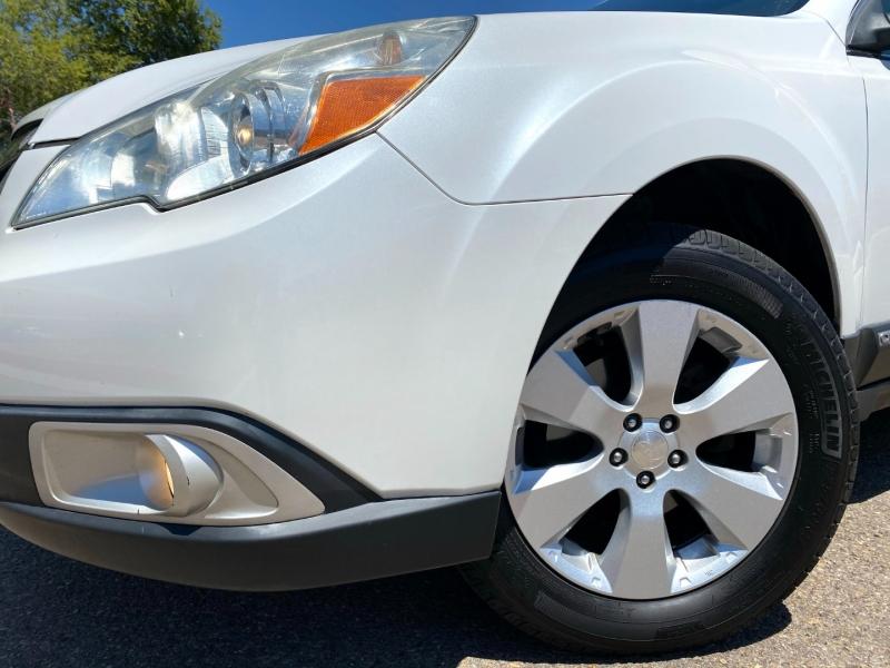 Subaru Outback 2011 price $10,900