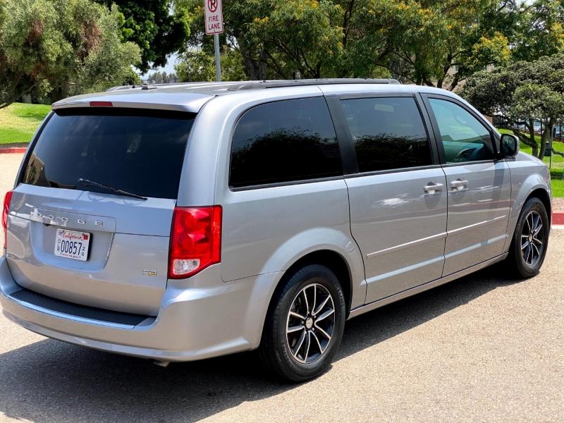 Dodge Grand Caravan 2017 price $13,900