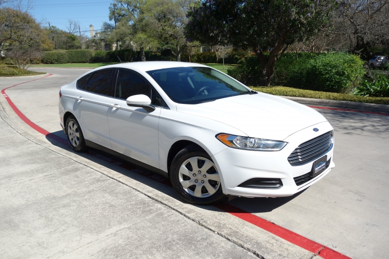 Ford Fusion S 2013 price $7,995