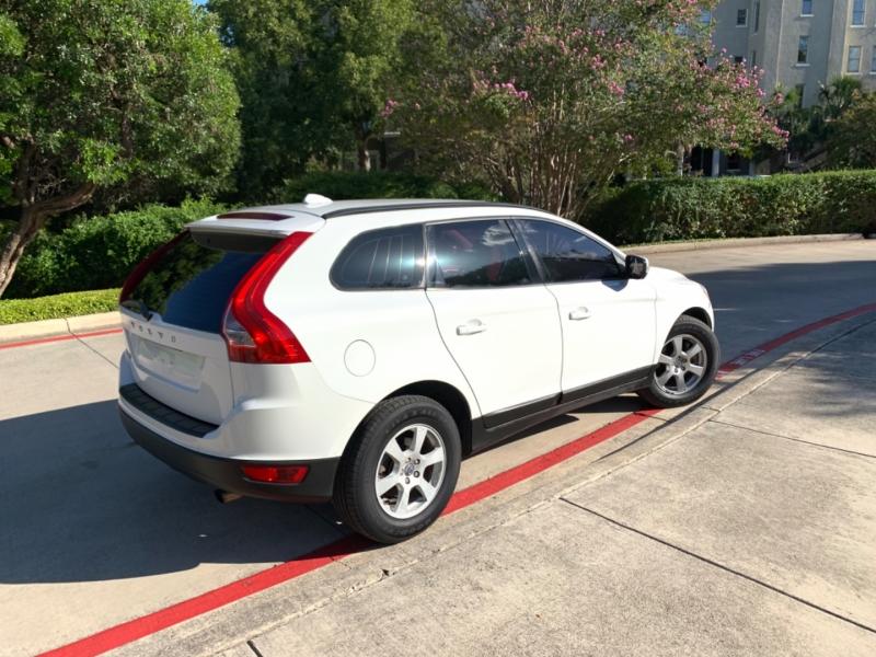 Volvo XC60 2011 price $5,850