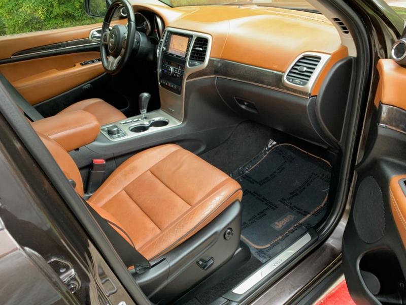 Jeep Grand Cherokee Overland Summit 4WD 2012 price $18,495