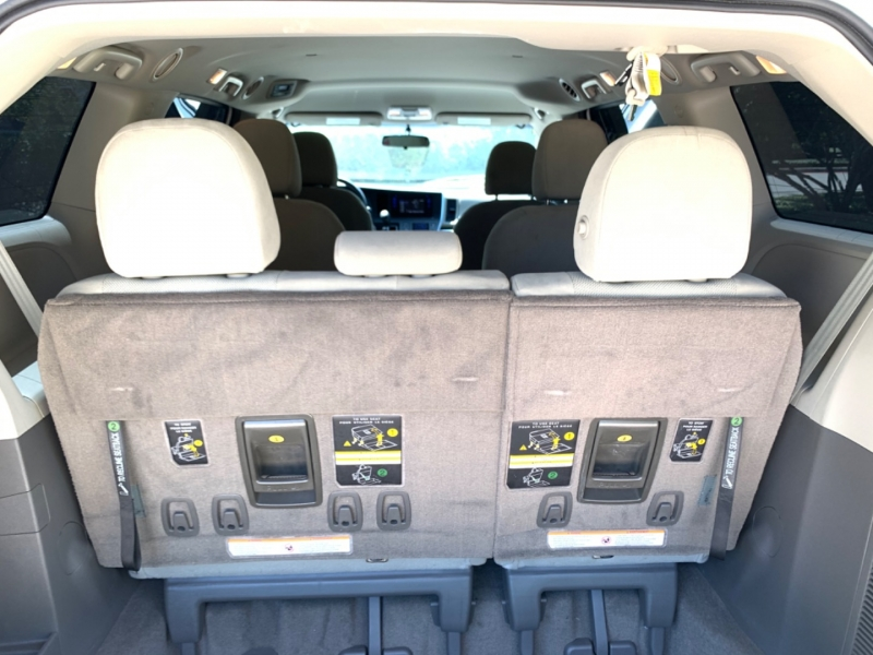 Toyota Sienna L 2016 price $12,495