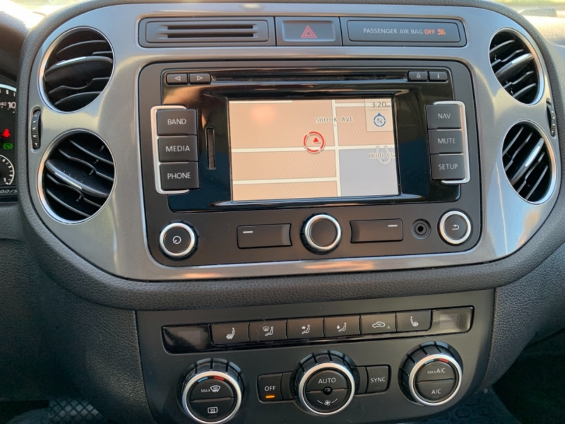 Volkswagen Tiguan SEL 2014 price $10,495