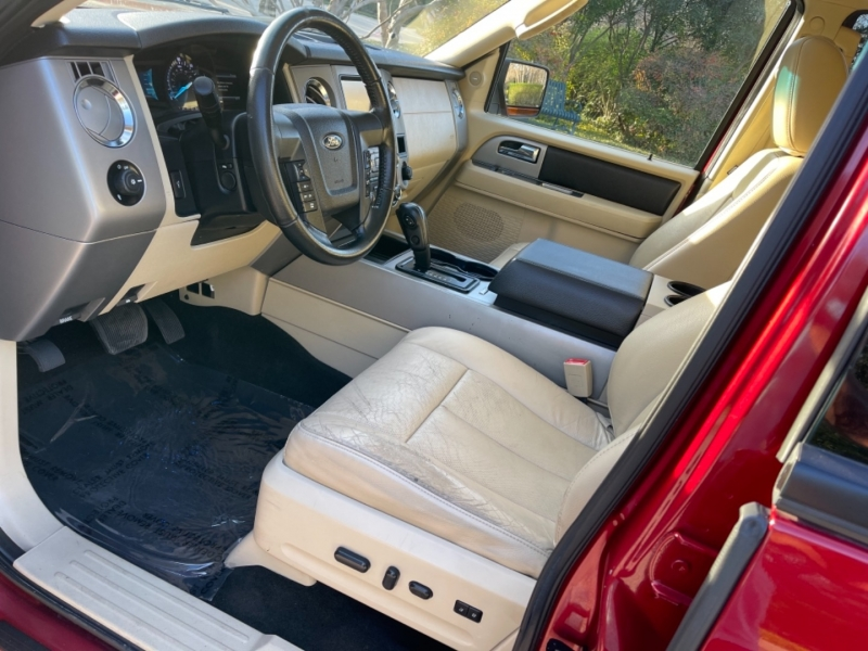 Ford Expedition XLT 2015 price $18,995