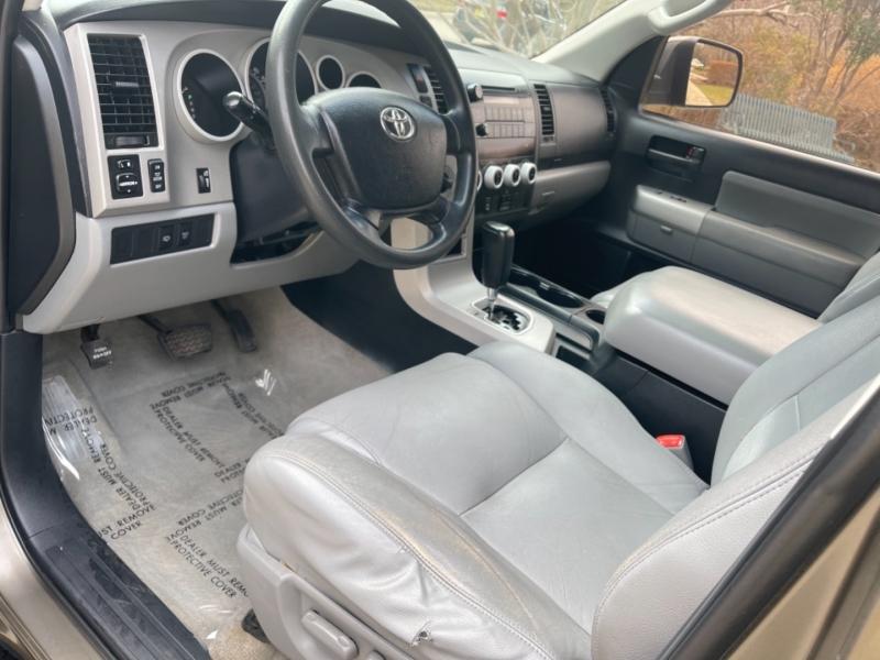 Toyota Sequoia 4WD SR5 2009 price $10,995