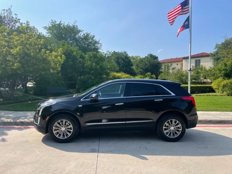 Cadillac XT5 2017 price $28,995