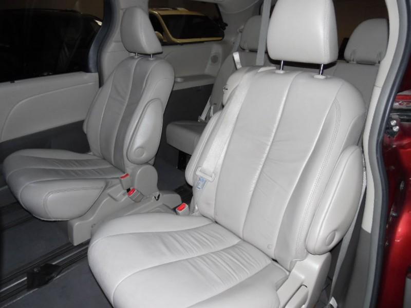 TOYOTA SIENNA 2011 price $14,900