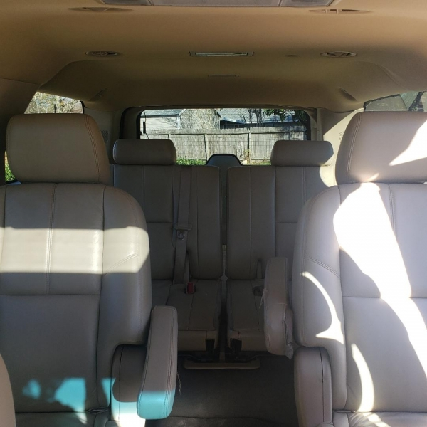 GMC YUKON XL 2011 price $15,998