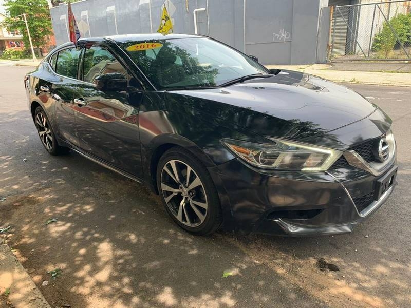 Nissan Maxima 2016 price $15,450
