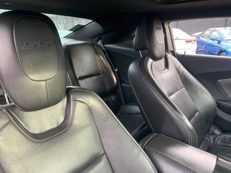 Chevrolet Camaro 2011 price $27,600
