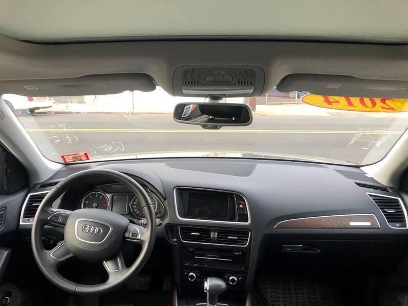 Audi Q5 2014 price $17,800