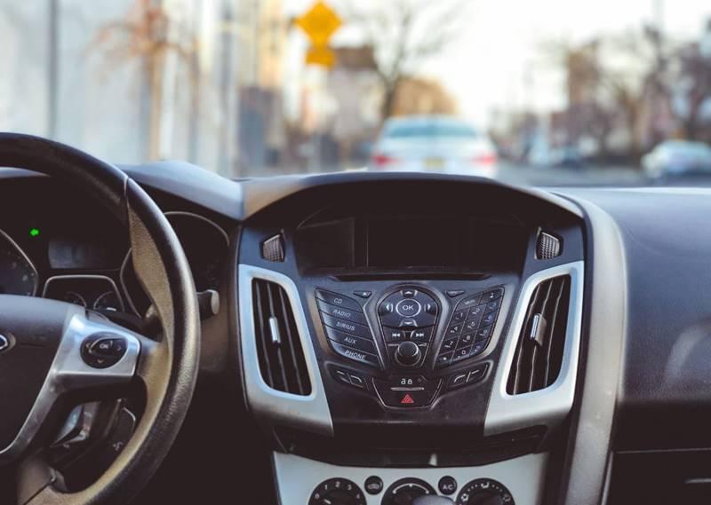 Ford Focus 2013 price $8,000
