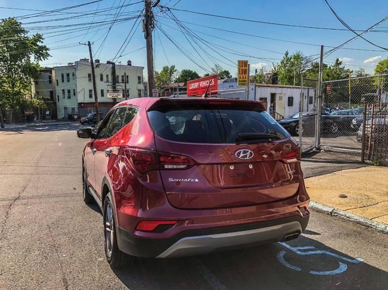 Hyundai Santa Fe Sport 2018 price $499