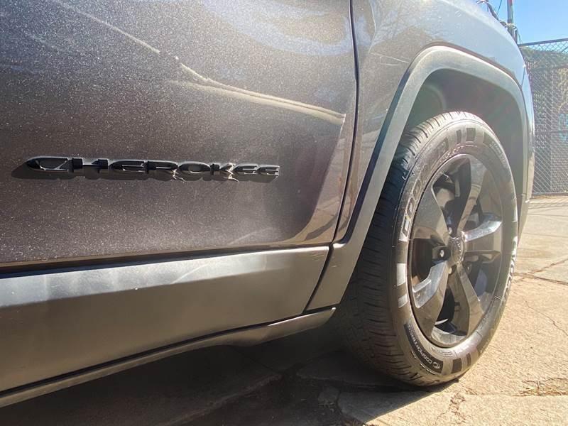Jeep Cherokee 2016 price $499