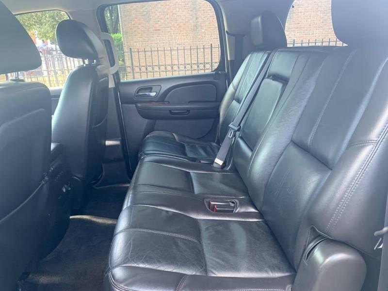 Chevrolet Suburban 2011 price $13,600