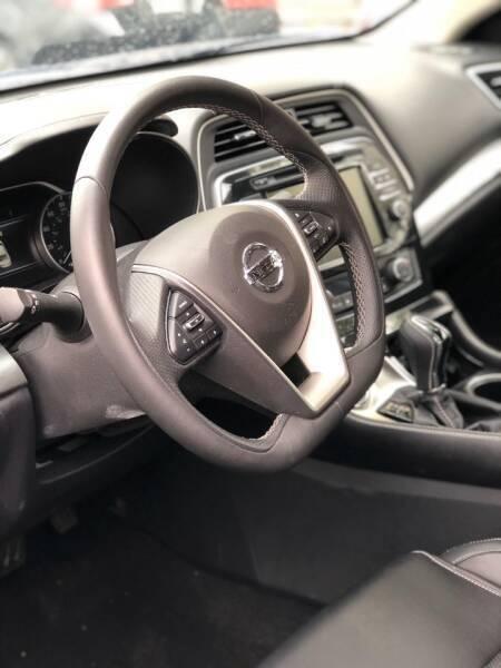 Nissan Maxima 2020 price $19,555