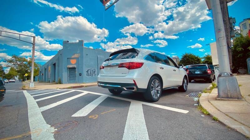 Acura MDX 2017 price $32,500