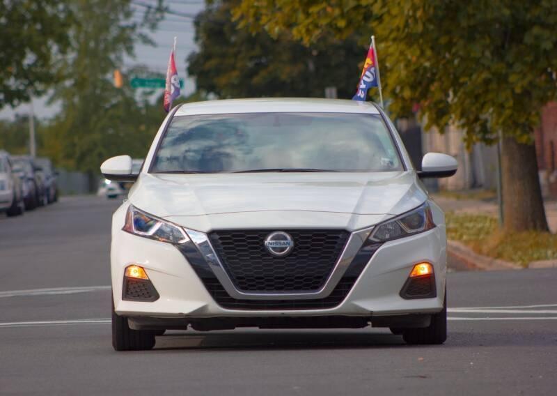 Nissan Altima 2019 price $499