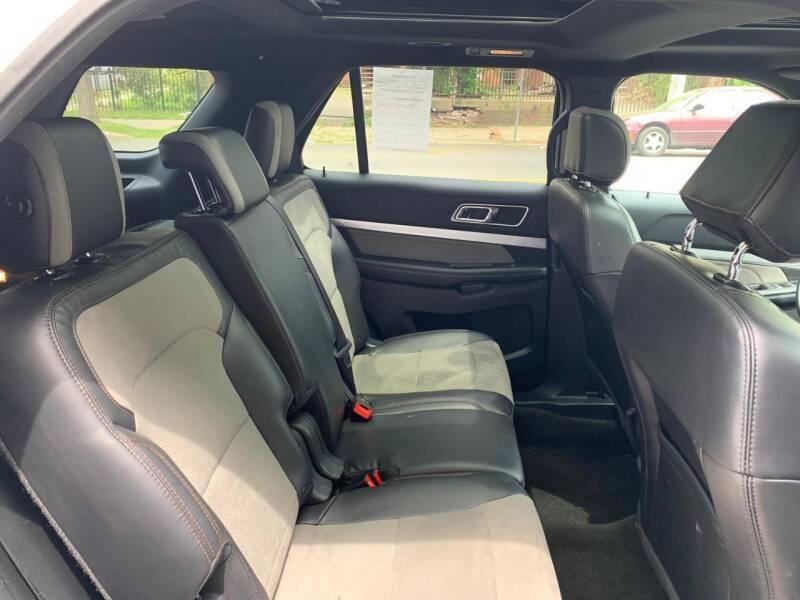 Ford Explorer 2017 price $19,500