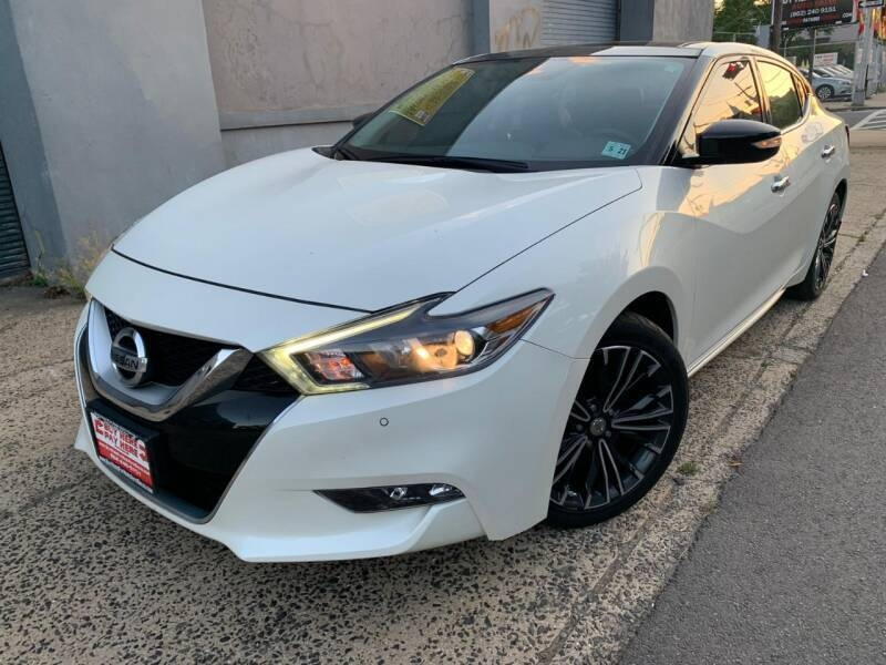 Nissan Maxima 2016 price $16,680