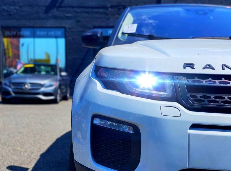 Land Rover Range Rover Evoque 2017 price $31,000