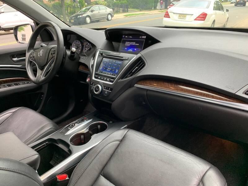 Acura MDX 2017 price $28,999