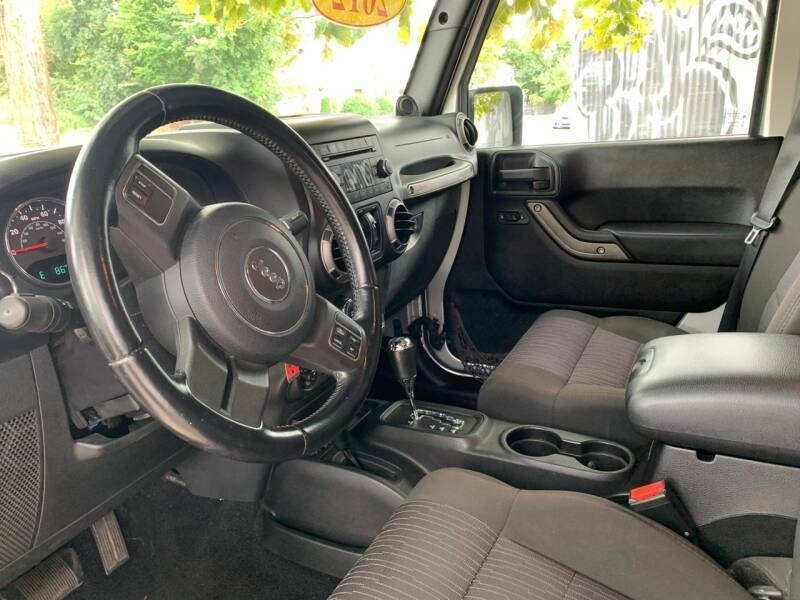 Jeep Wrangler 2012 price $999