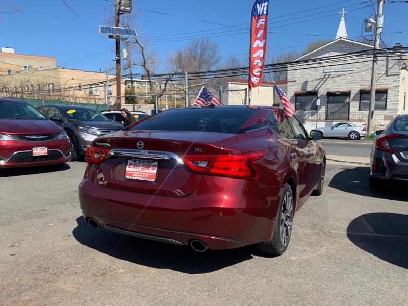 Nissan Maxima 2017 price $18,750