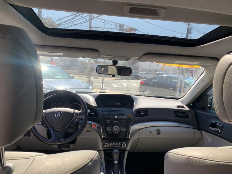 Acura ILX 2017 price $19,890