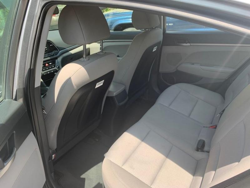 Hyundai Elantra 2018 price $499