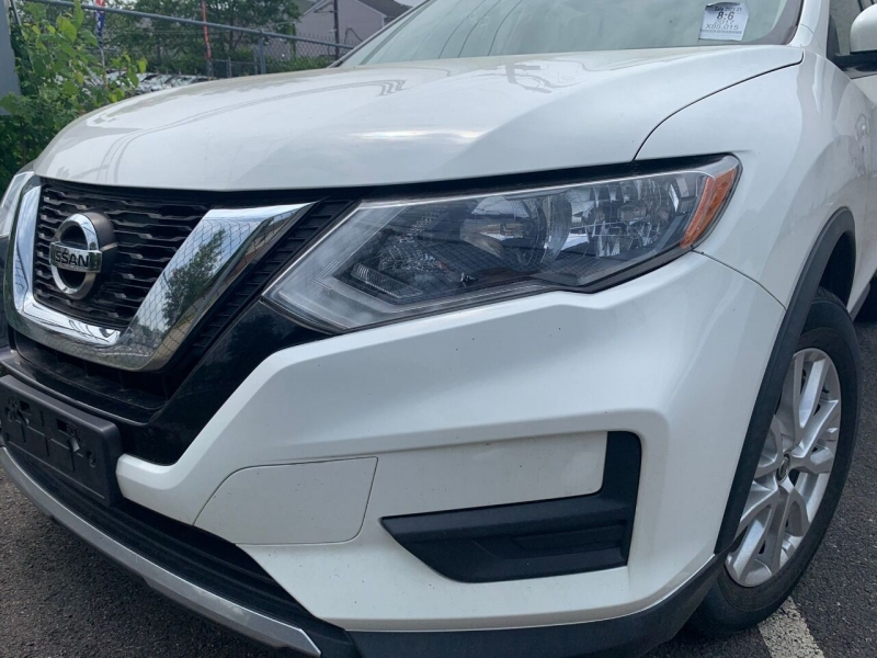 Nissan Rogue 2017 price $17,995