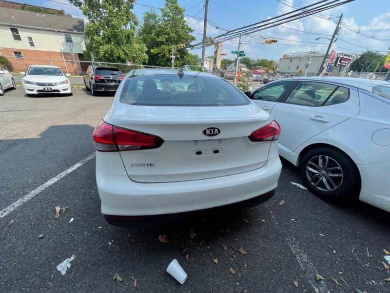 Kia Forte 2018 price $499
