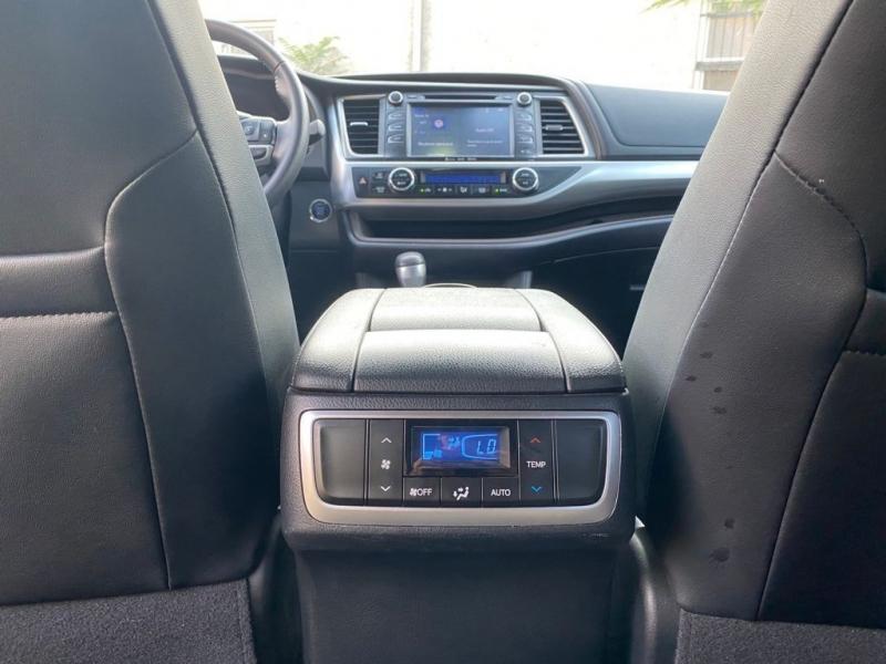 Toyota Highlander 2018 price $499