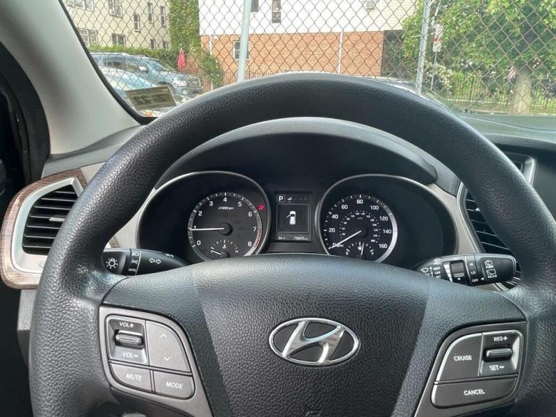 Hyundai Santa Fe Sport 2017 price $499