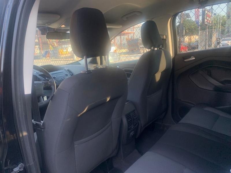 Ford Escape 2018 price $499