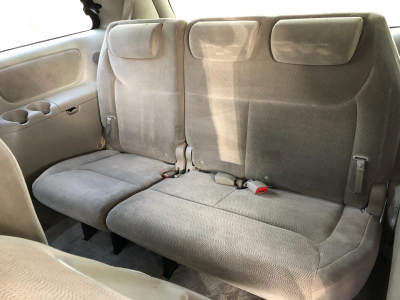 Toyota Sienna 2006 price $3,990