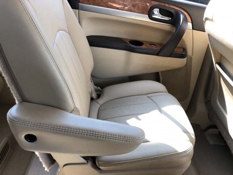 Buick Enclave 2011 price $7,790