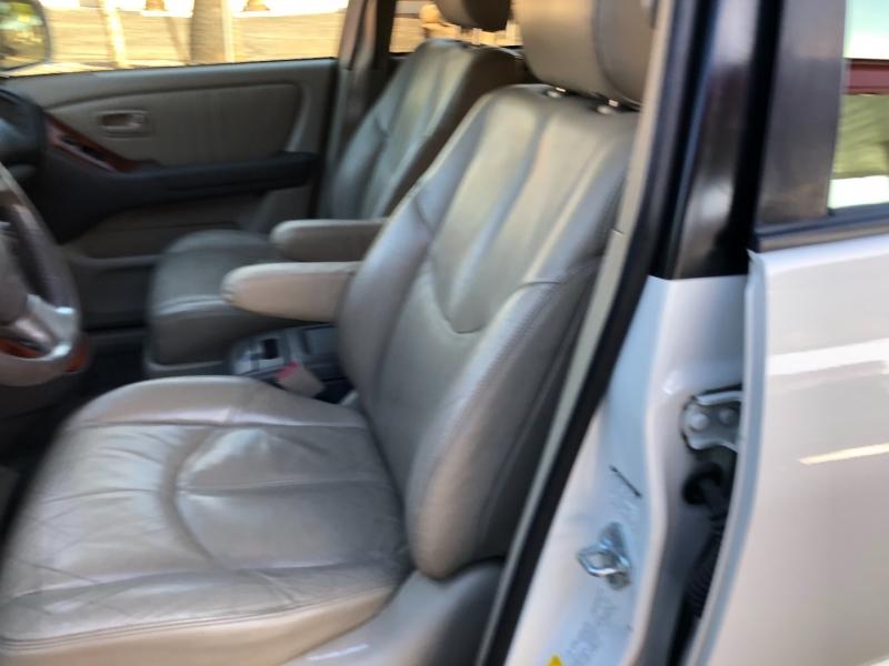 Lexus RX 300 Luxury SUV 1999 price $3,990