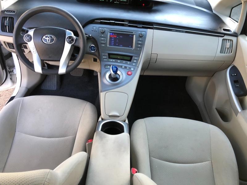 Toyota Prius 2013 price $5,990