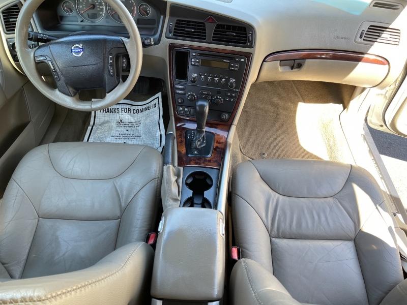 Volvo XC70 2006 price $4,290