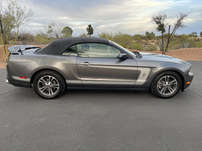 Ford Mustang 2011 price $12,490