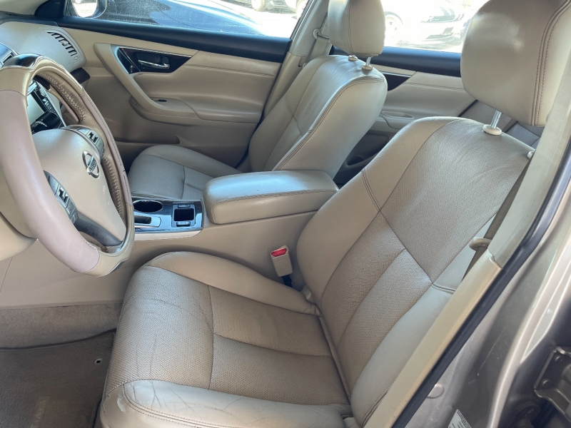 Nissan Altima 2013 price $6,990