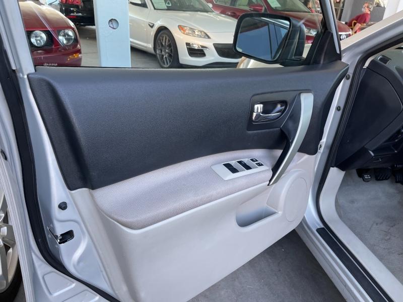 Nissan Rogue 2012 price $8,499