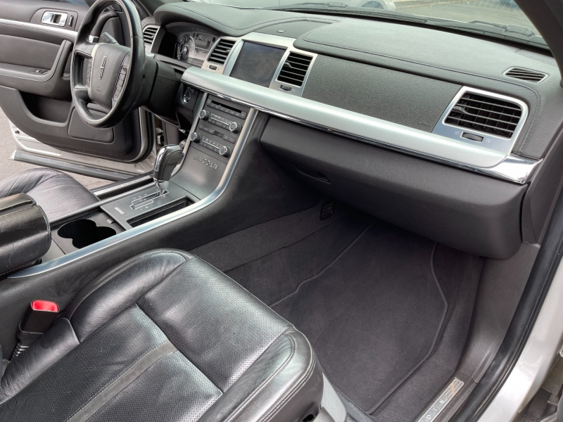 Lincoln MKS 2009 price $5,490