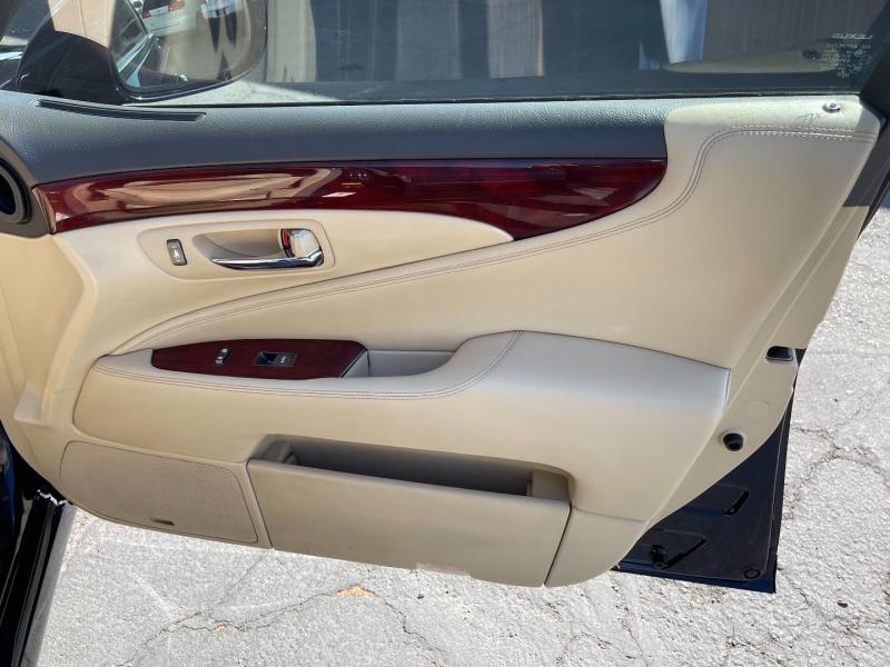Lexus LS 460 2007 price $10,490