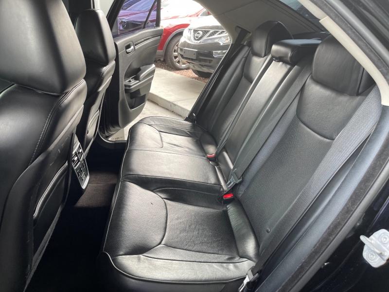 Chrysler 300 2016 price $16,490