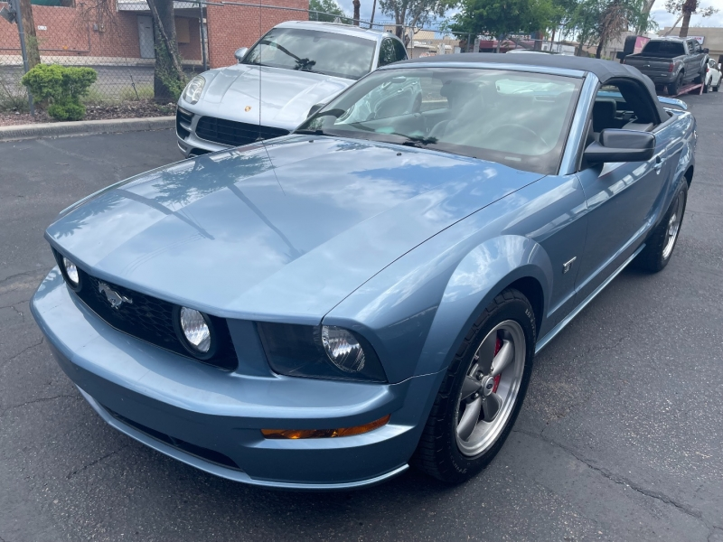 Ford Mustang 2006 price $15,999