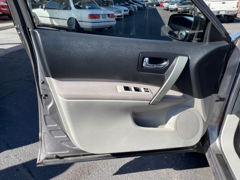 Nissan Rogue 2011 price $7,999