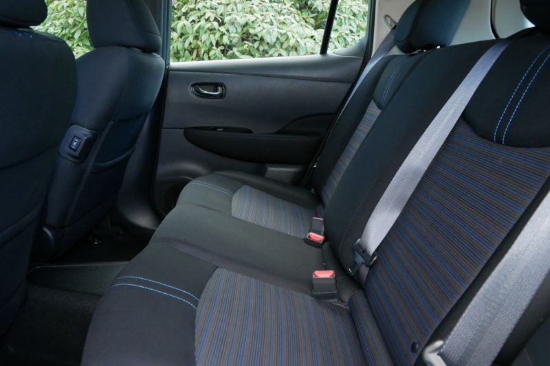 Nissan Leaf 2019 price $31,960