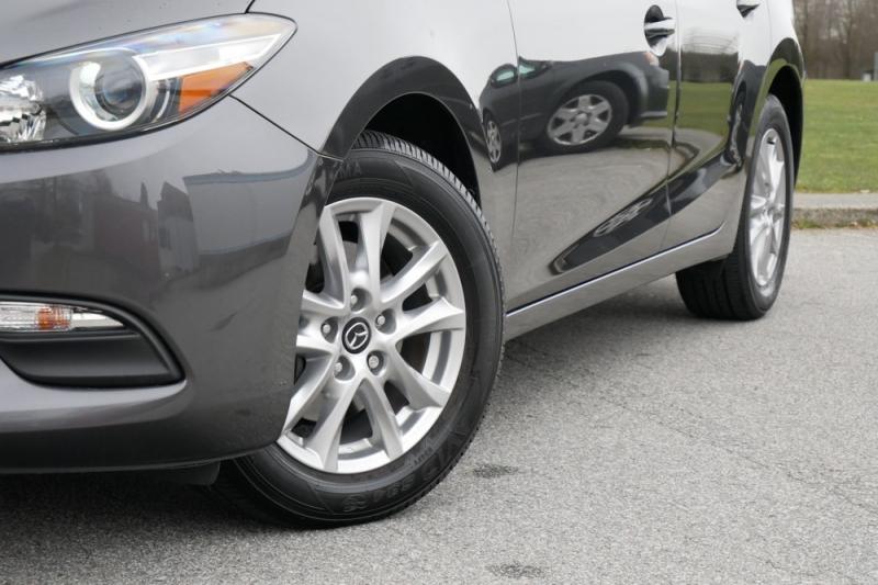 Mazda Mazda3 2017 price $15,986